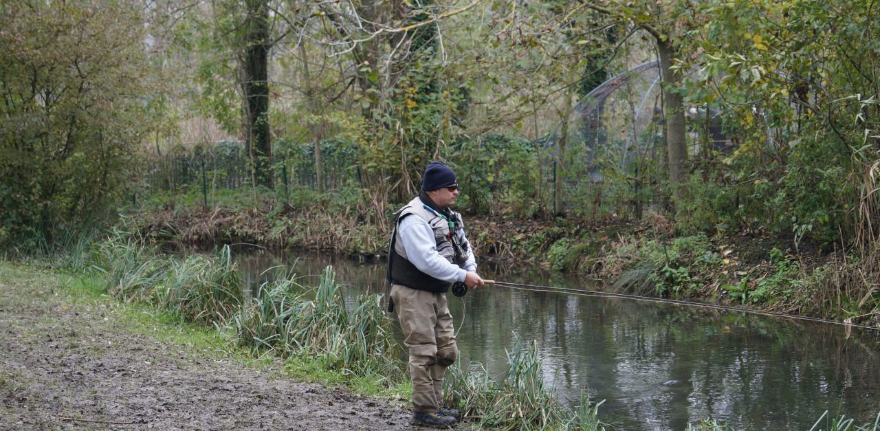 Pêche dans l'un des nombreux canaux